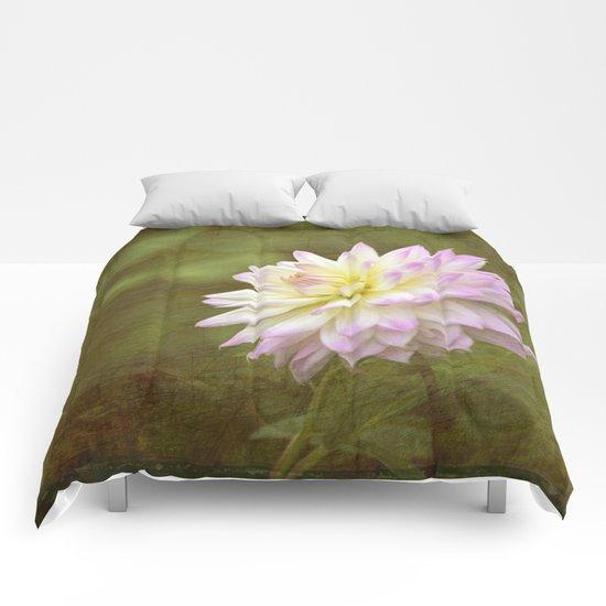 White Purple Dahlia Comforters