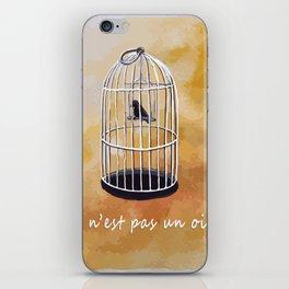ceci n'est pas un oiseau iPhone Skin