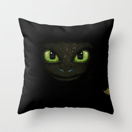 Toothless - How to Train Your Dragon 2 Throw Pillow