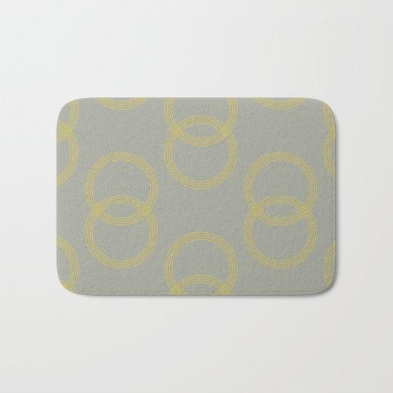 Simply Infinity Link Mod Yellow on Retro Gray Bath Mat