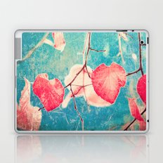 Autumn Hea(u)rts - Textured photography, pinks leafs in blue sky  Laptop & iPad Skin