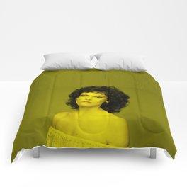 Sigourney Weaver - Celebrity (Florescent Color Technique) Comforters