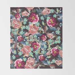 Beautiful victorian rose pattern in vintage style Throw Blanket