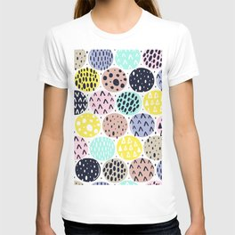 LOUD ABSTRACT POLKA DOT PATTERN T-shirt