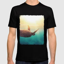 Sea Turtle - Underwater Nature Photography T-shirt