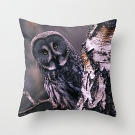 INQUISITIVE GREAT GREY OWL Throw Pillow