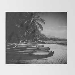 Sugar Beach Hawaiian Outrigger Canoes Kihei Maui Hawaii Throw Blanket