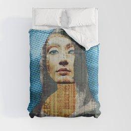 Nona Lifretéte in blue · CropCircle Comforters
