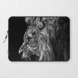 lion roaring Laptop Sleeve