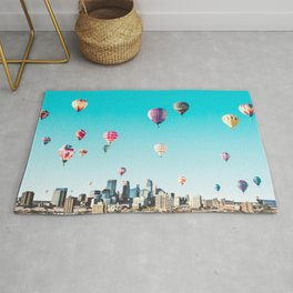 Minneapolis, Minnesota Skyline with Hot Air Balloons Over the City Skyline Rug