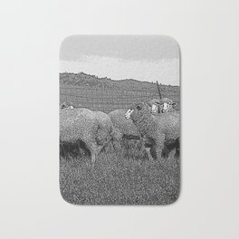 Black & White Sheep in a feild Pencil Drawing Photo Badematte