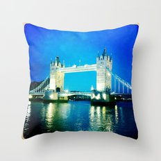 I love Tower Bridge Throw Pillow