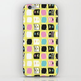 Memphis Style Geo Sketchy Abstract Seamless Vector Pattern, iPhone Skin