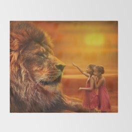 Lion twins | Lion et jumelles Throw Blanket