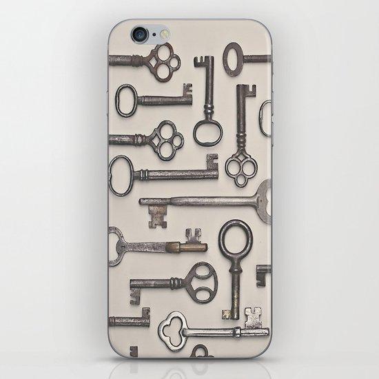 Labyrinth (Grey Version) iPhone & iPod Skin