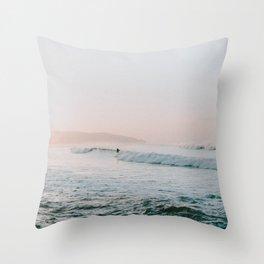 summer waves Throw Pillow