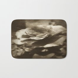 Rosas Moradas 4 Antiqued Bath Mat