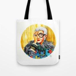 Iris Apfel.  Tote Bag