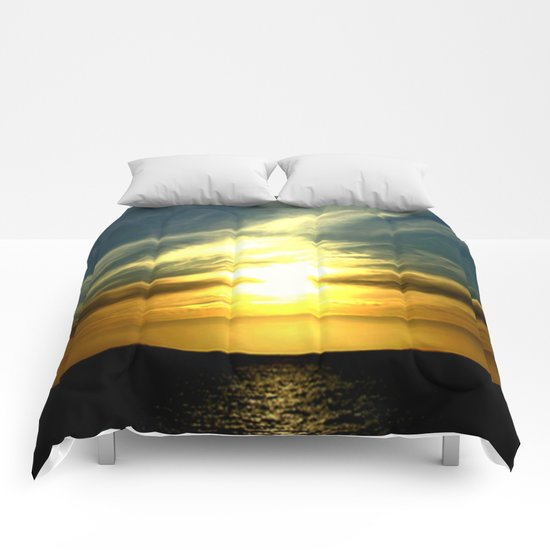 Sunrise over Bass Strait - Tasmania Comforters
