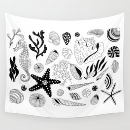 Tropical underwater creatures and seaweeds Wall Tapestry
