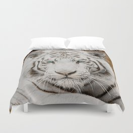 WHITE TIGER GAZE Duvet Cover
