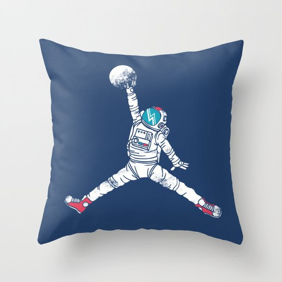 Space dunk Throw Pillow