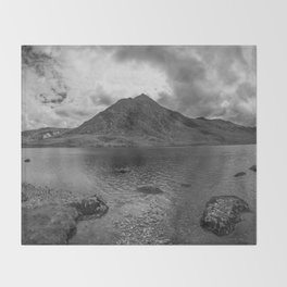 Tryfan Mountain Throw Blanket