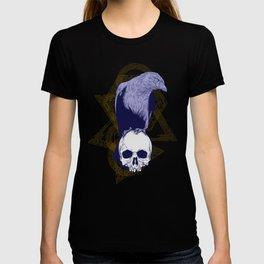 Dark Vintage Styled Macabre Crow and Skull Ponder Life T-shirt