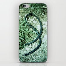 GREEN PICTURE OF A TIRE iPhone Skin