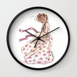 Robe dans le vent Wall Clock