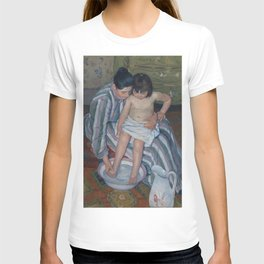 Mary Cassatt - The Child's Bath T-shirt