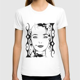 Black and white face ornament T-shirt