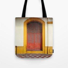 cache-cache Tote Bag