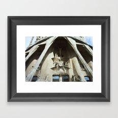 chiesa della sagrada familia Framed Art Print