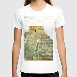 Chichen Itza pyramid T-shirt