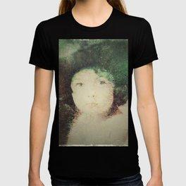 Childhood / Infancia T-shirt
