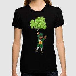 Leprechaun With Cloverleaf Balloons - Irish Fly T-shirt