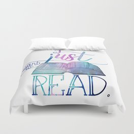 I Just Want To Read - Galaxy Duvet Cover