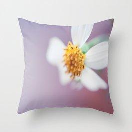 Small white daisy 2 Throw Pillow
