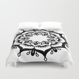 Mandala: hand-drawn Duvet Cover