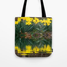 YELLOW DAFFODILS WATER REFLECTION PATTERN Tote Bag