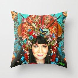 l'artiste exotique Throw Pillow