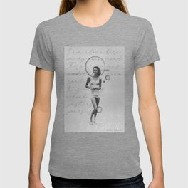 """""""I am alone here in my own mind. There is no map and there is no road...― Anne Sexton T-shirt"""