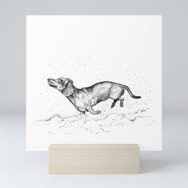 Dachshund, dog lover, daschund in the snow, doggy present, sausage dog T-Shirt Mini Art Print