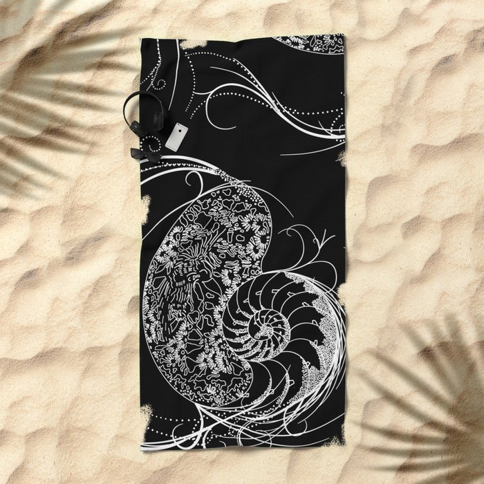 Black And White Shell Design Beach Towel