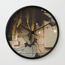 bob. Wall Clock