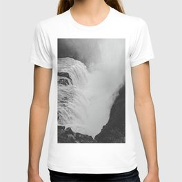 Iceland's Gullfoss Waterfall in Black and White – Landscape Photography T-shirt