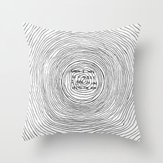 fell in love with the sun Throw Pillow