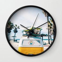 Surfing van Wall Clock