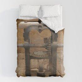 antique press Comforters